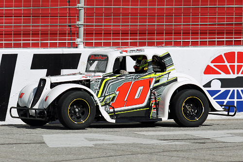 "R.S. Senter drove to the win in both Semi-Pro features in Winter Flurry action on the ""Thunder Ring"" at Atlanta Motor Speedway Saturday afternoon.  Photo by Tom Francisco/Speedpics.net"