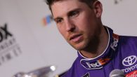 Denny Hamlin has signed an extension to drive the No. 11 Joe Gibbs Racing Toyota with FedEx continuing as his sponsor, the team announced at a press conference on Thursday […]